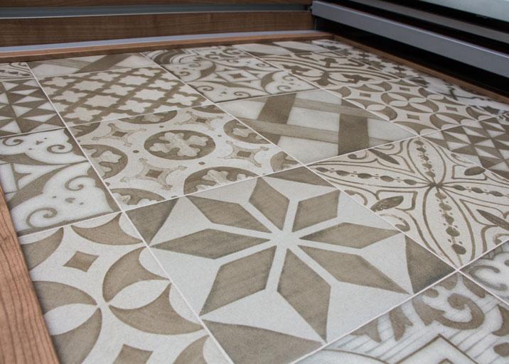 azulejos rsticos con distintos motivos en materiales de construccin buenavista
