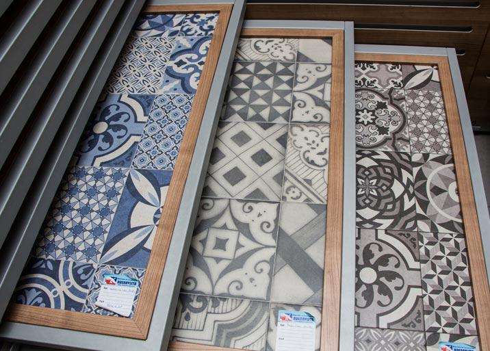 Amplia variedad de colores en azulejos rústicos en MC Buenavista