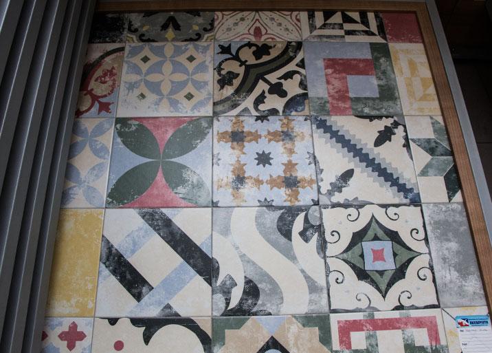 Amplia variedad de azulejos rústicos de estilo antiguo en Buenavista