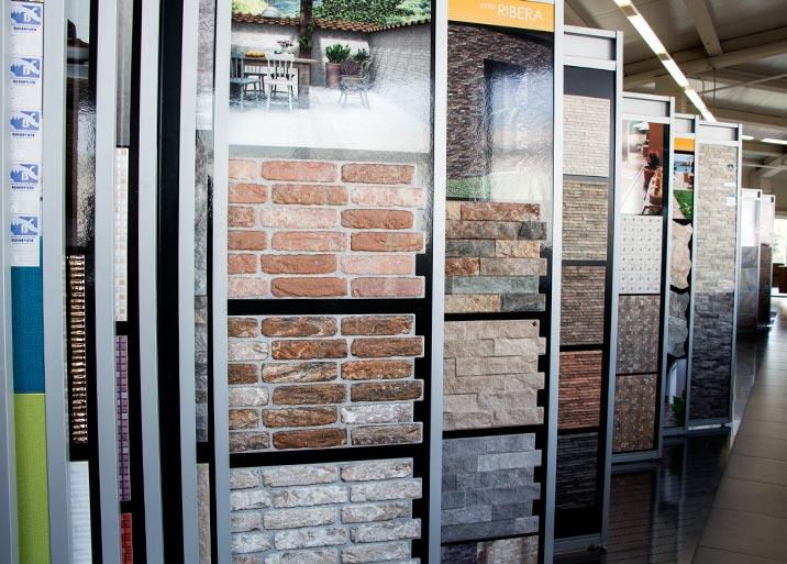 Gran variedad de colores en azulejos para exteriores en MC Buenavista